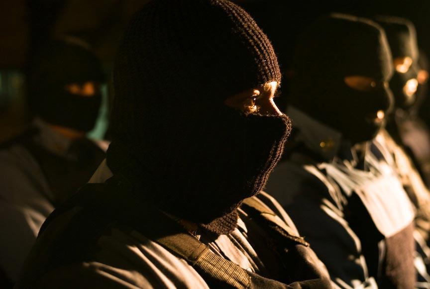 Juárez: Law enforcement troops in masks; © Julián Cardona