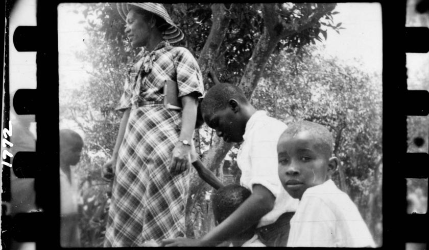Zora Neale Hurston and three boys in Eatonville, Florida